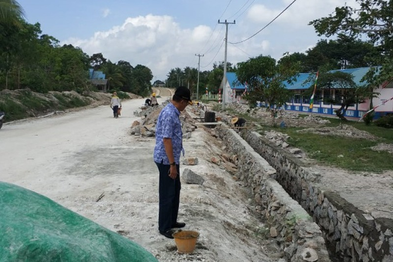 Bupati Natuna Tinjau Proyek Jalan Setengar-Teluk Depeh-Selat Lampa