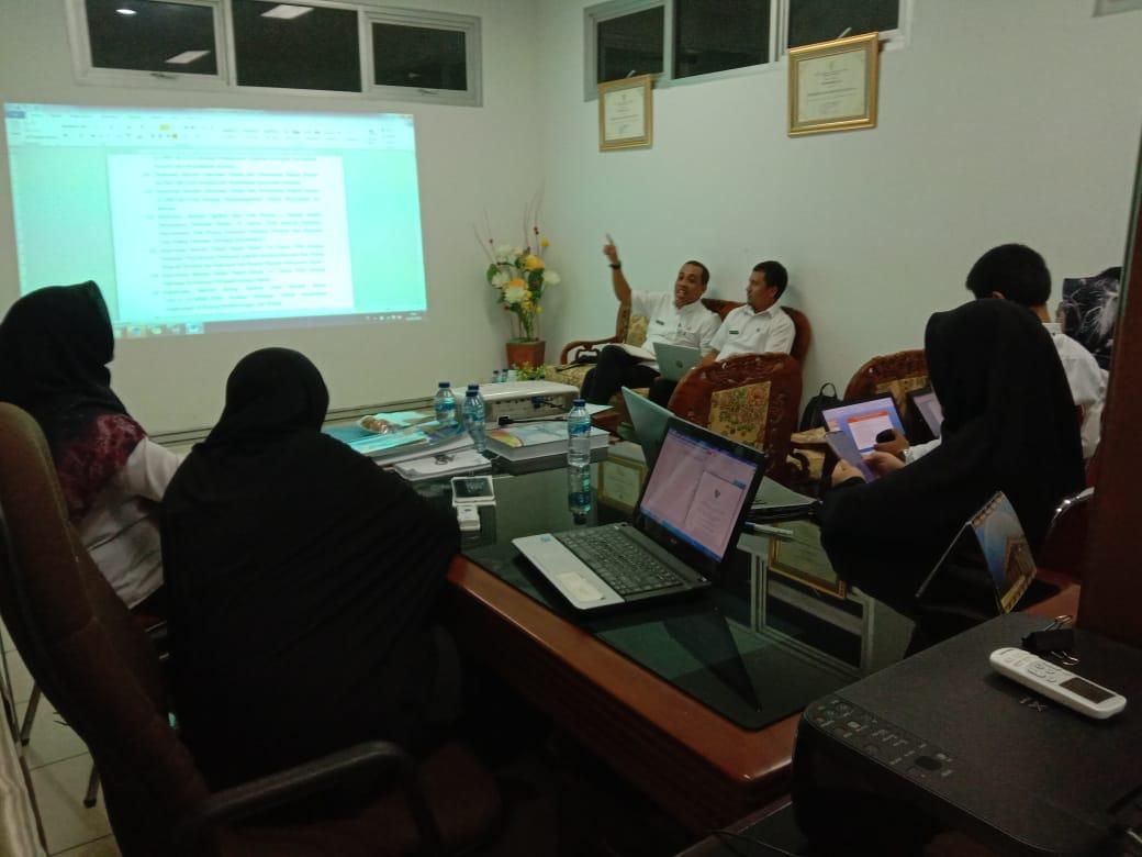 Rapat pembahasan ranperda RTRW Kabupaten Natuna dengan Bagian Hukum Setda Kab.Natuna